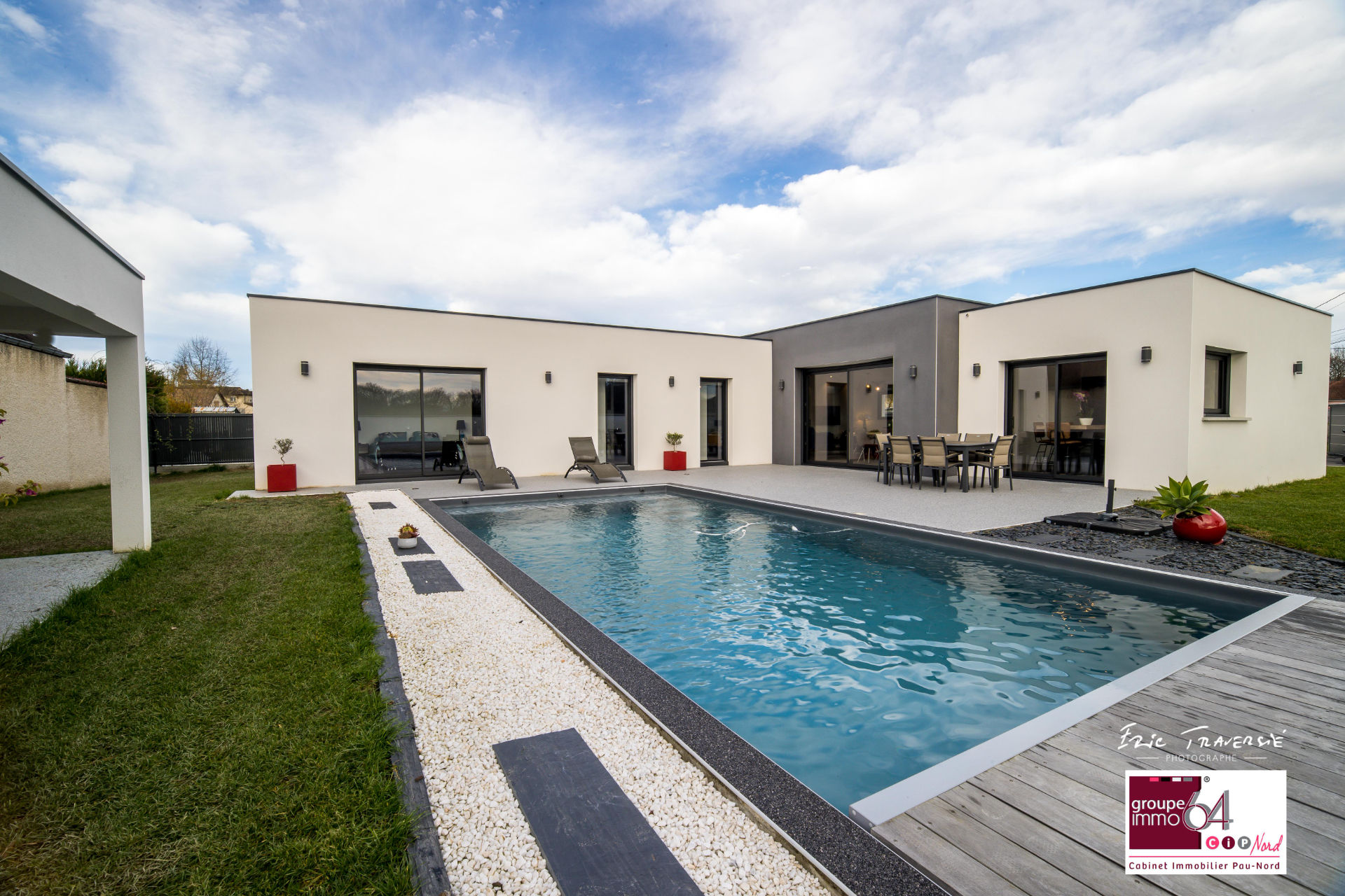 Contemporaine en toit terrasse et piscine (visite virtuelle possible)